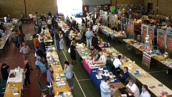 Salon du livre bourse toutes collections vide greniers for Bourse exterieur gratuit