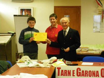 Grâce à son prix , une semaine à l'escòla occitana d'estiu ( à Villeneuve sur Lot )  Sylvan rencontrera des jeunes Anglais, des «escolans» d'Allemagne qui apprennent aussi l'occitan   www.eoe-oc.org