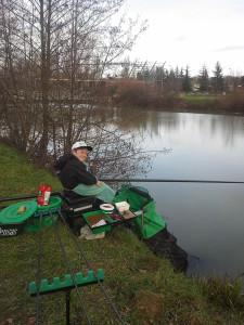 Maxance BONVALET en action de pêche.