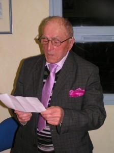 Georges Vieu remercie tout le monde avant de partager vin d'honneur et buffet avec les convives.
