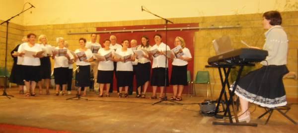 La chorale du Prieuré dirigée par Nina Joussain