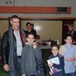 Les gagnants de la catégorie enfants : Théo & Nino GIRARD récompensés par Bernard PAILLARES, maire de St Nauphary et Manon GUICHARD, jury enfants.