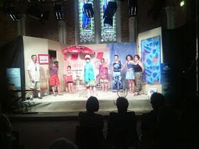 La troupe Gatilles en scène