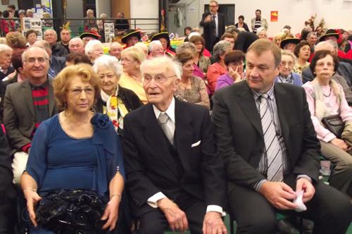 Une salle bien garnie! Au premier rang Nadal Rey et M.le Maire de La Ville Dieu du Temple.