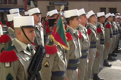 En recevant leur képi blanc, 29 engagés volontaires sont devenus des soldats d'élite : des légionnaires.
