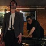 Les Autres. Emmanuel Demonsant (auteur-compositeur et interprète) et Timour Tokarev (pianiste)