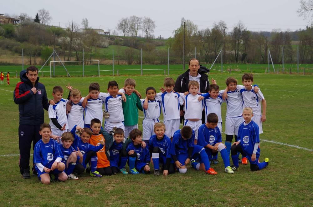 Pour montrer son dynamisme et sa foi en l'avenir, voici une photo de l'équipe des 10/ 11 ans. Bravo les jeunes !