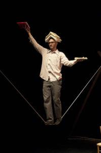 Yi Fan, cirque humain